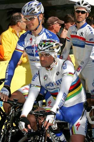 Boonen-Bettini-Millar and Cipollini at start